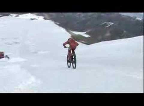 Video: Mountainbiken mit 210 km/h