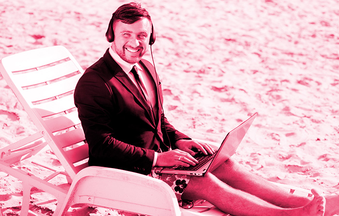 Skype: Manager in Unterhosen