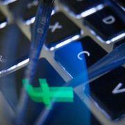 Facebook soll endlich den Kampf gegen Fakenews aufnehmen, fordern die Experten